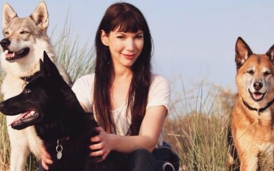 Schrijfster Judith Visser leeft samen met een wolfhond